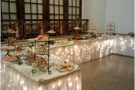 Taking the biscuit: some tasty wedding favour ideas